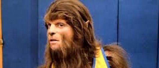 Efem�rides Cin�filas: Un 6 de noviembre de 1984 Scott Howard descubre que es un Hombre Lobo