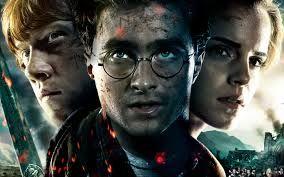 Simon Pegg se pone en la piel de un borracho Ron Weasley en el cumplea�os de Harry Potter