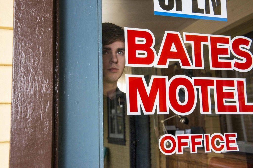 """""""Bates Motel"""": Nuevo trailer de la 4ª Temporada (en el que se sugiere momento ducha)"""