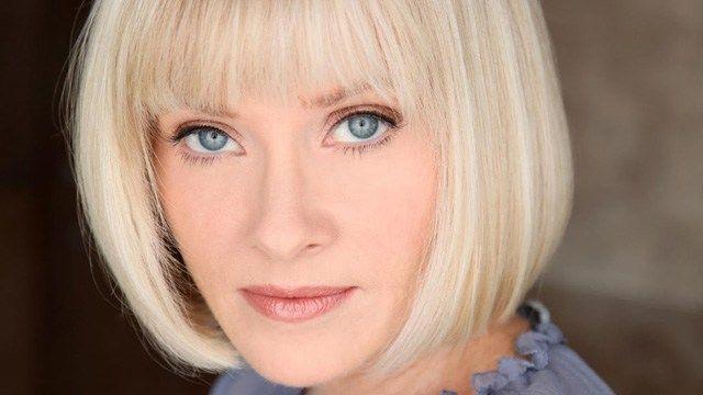"""Entrevistamos a la actriz Barbara Crampton (""""Re-Animator"""", """"Re-Sonator""""...)"""