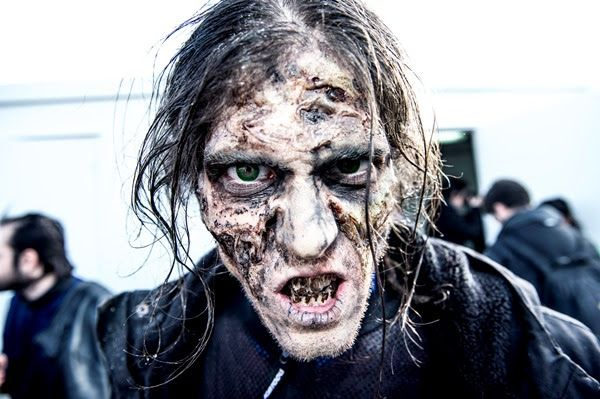 """""""Resident Evil: El Capítulo Final"""": Acudimos a una Survival Zombie"""