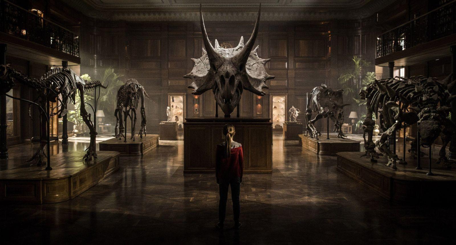 """""""Jurassic World: El Reino Caído"""": Póster español de la película"""