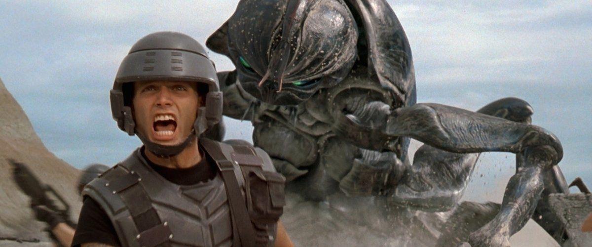 """Starship Troopers"": La obra maestra de Paul Verhoeven cumple 20 años"