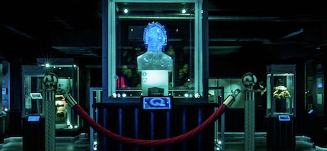 """Black Museum"": Póster del tercer episodio de la 4ªT de ""Black Mirror"""