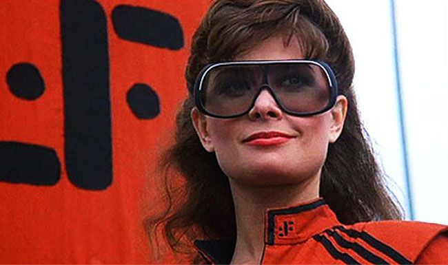 """""""V"""": En marcha una trilogía de película basada en la serie de los 80s"""