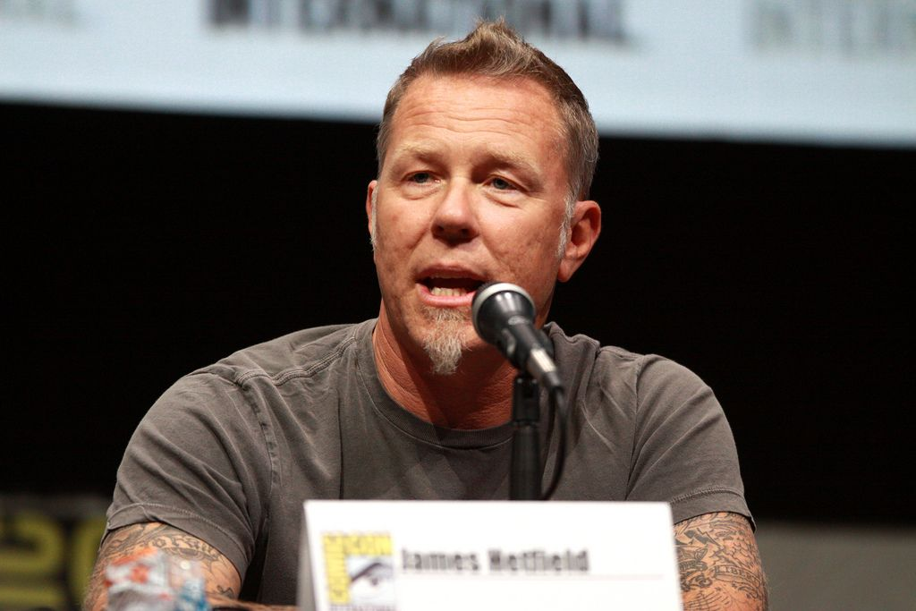 "James Hetfield (""Metallica"") se apunta al biopic de Ted Bundy con Zac Efron"