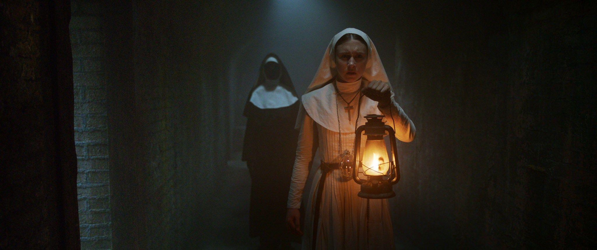 """""""La Monja"""": Diez nuevas imágenes de la película. Estreno el 7 de septiembre."""
