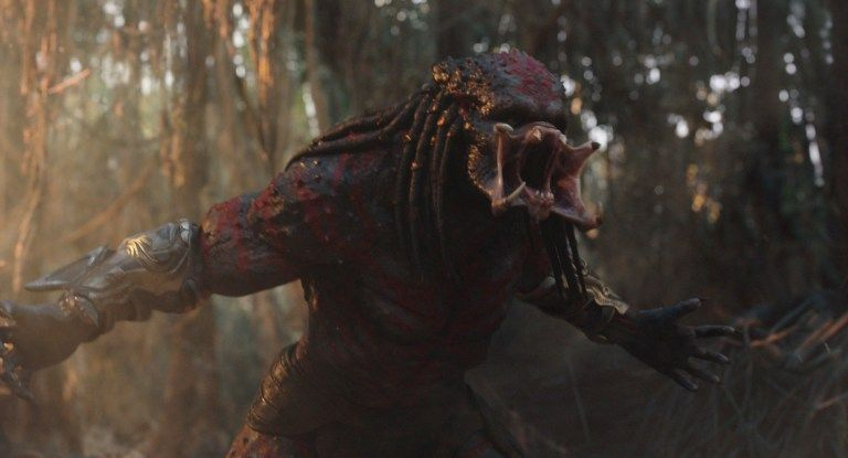 """Crítica de """"Predator"""" (*** ½). Macarra, gore, con diálogos geniales y muy divertida."""