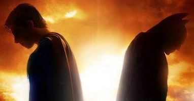 "�pico Fan Trailer de ""Superman Vs Batman"""